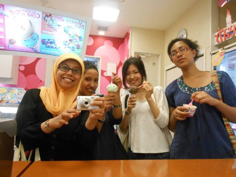 24 Juli 2013, Movie and dinner with MJH girls!