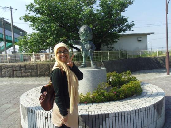 Conan kecil depan Yura station